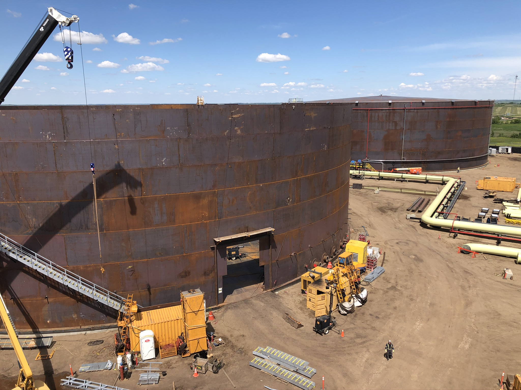 TIW and Local 146 Boilermakers built two 245-foot diameter tanks in 6 months.
