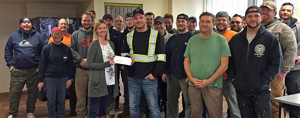 Boilermakers presenting a cheque to the Atikokan General Hospital